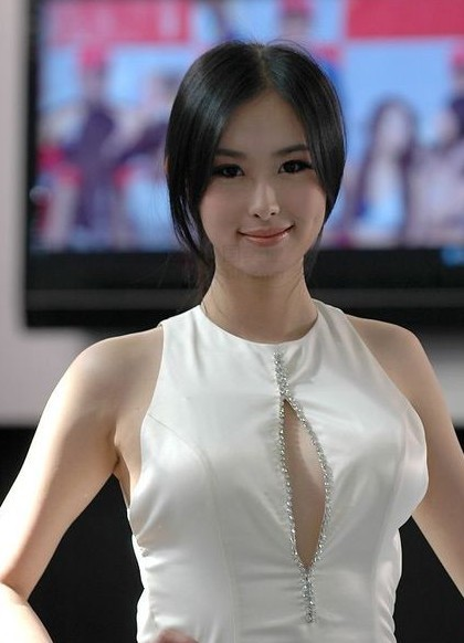 China's No.1 Car Model Zhai Ling