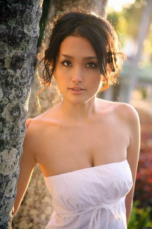 Reon Kadena Japanese Actress Picture